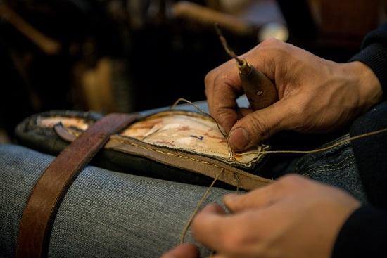 すくい縫いでチャン糸に付ける金針