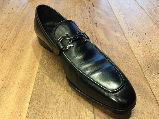 コバの張り出し小さいファラガモの靴
