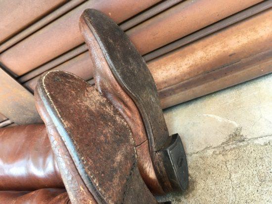 修理前の軍靴の靴底