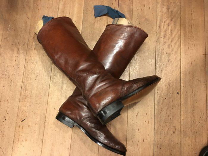 修理後の軍靴