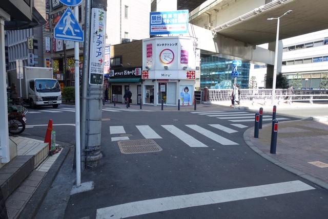 横浜駅からの歩き方|横浜駅きた西口前の十字路
